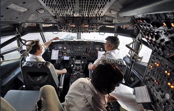 B707 Cockpit