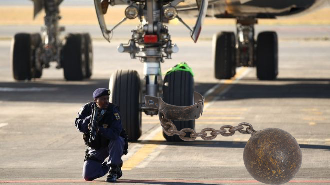 Pay up or else! Crew held hostage by Customs agents in Ivory Coast