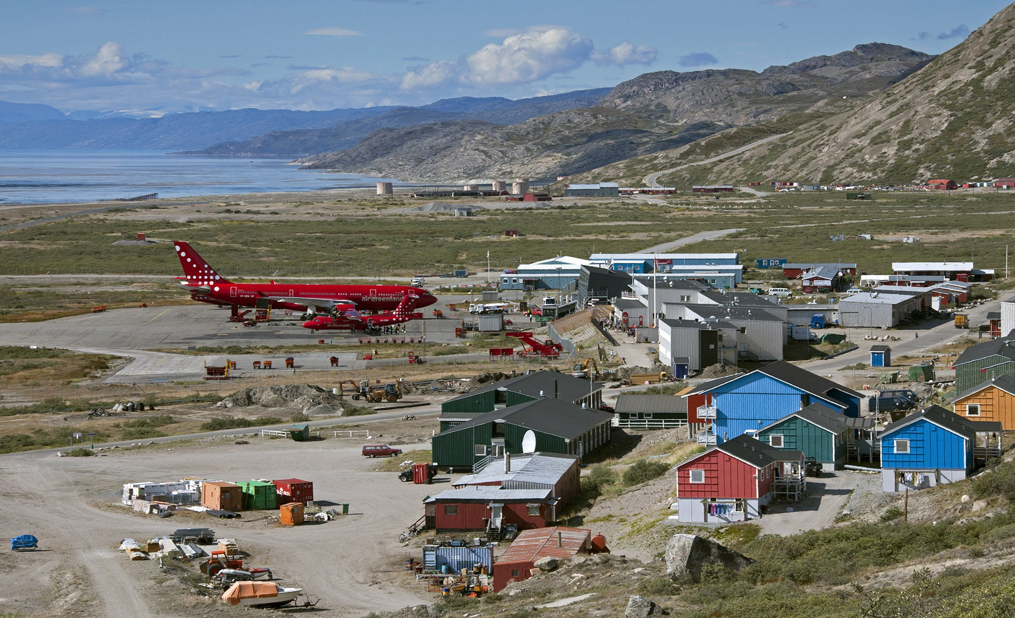 Greenland closes its airports to (nearly) all passenger flights