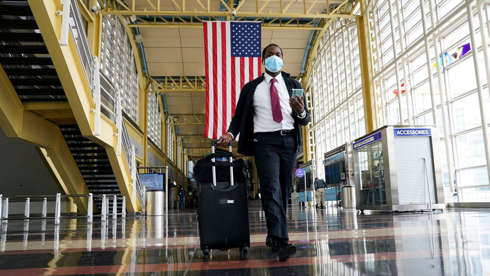 US to require Covid tests for all international passengers