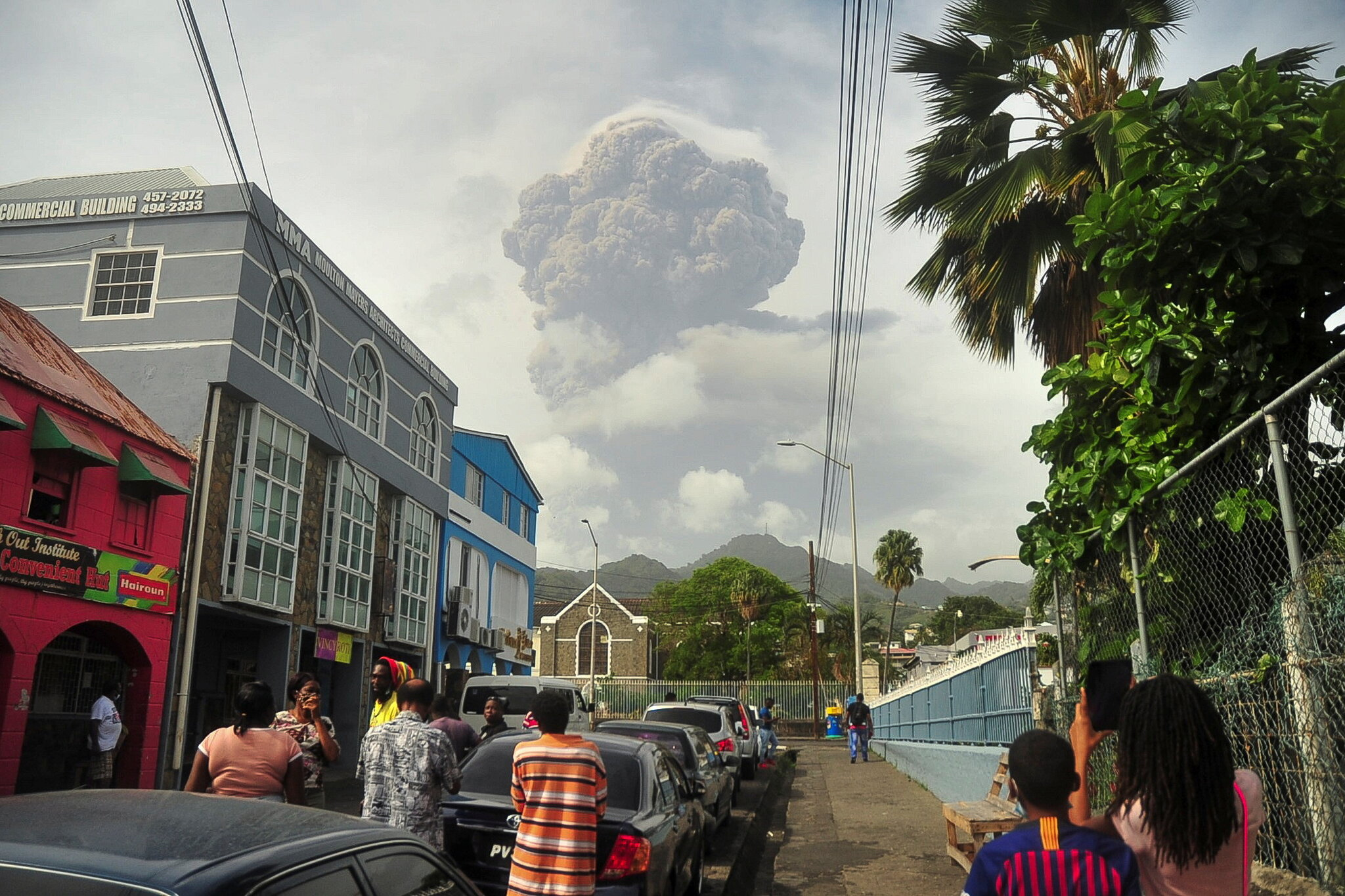 Eruption in the Caribbean: The La Soufrière Volcano